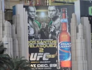 Pôster gigante do UFC 155 é destaque em Las Vegas (Foto: Marcelo Russio/Globoesporte.com)
