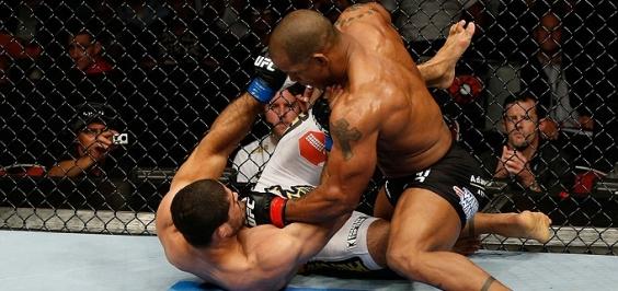 Além de ser tratorizado no UFC, Toquinho foi flagrado no doping. (foto: reprodução)