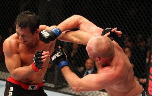 Okami teve atuação decepcionante no UFC 144 contra Boestch