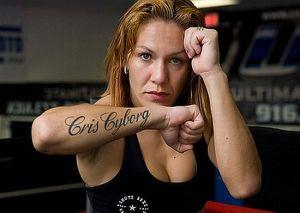 Cris Cyborg pede liberação do UFC.
