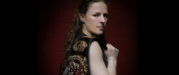 Sarah Kaufman é ex-Campeã do Strikeforce
