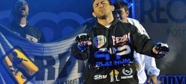"""Atleta da RFT, Sérgio Junior é um dos representantes """"brazucas"""" na noite. (Foto: reprodução)"""