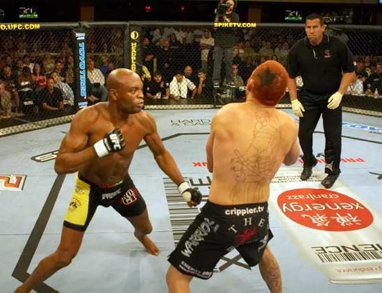 Anderson Silva e Chris Leblen no UFC Ultimate Fight Night 5
