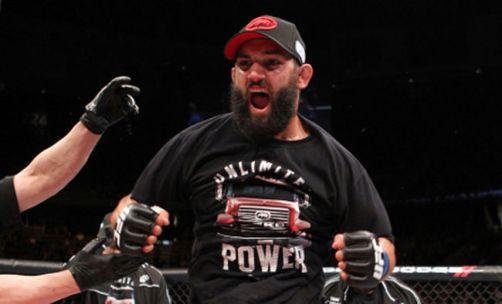 Johny-Hendricks-Carlos-Condit-UFC_LANIMA20130317_0005_26