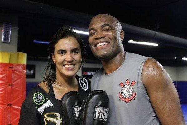Érica Paes e  Anderson Silva (foto: reprodução)