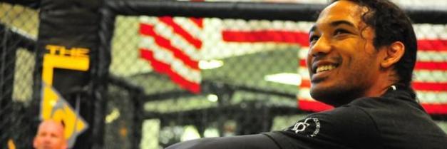 Bendo disputa o cinturão dos leves no próximo sábado, em San José. (Foto: reprodução UFC)