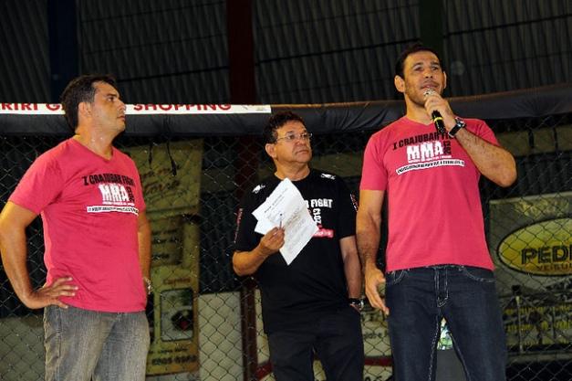 Minotouro faz participação no I Crajubar Fight