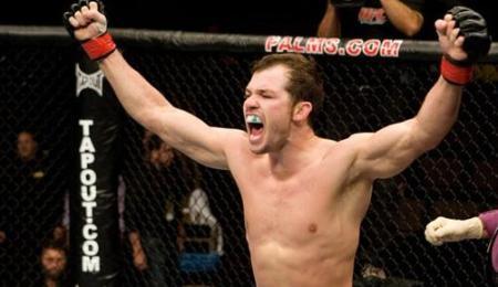 Spencer Fisher coloca emprego em jogo, no UFC on FOX 8. (foto: reprodução/UFC)