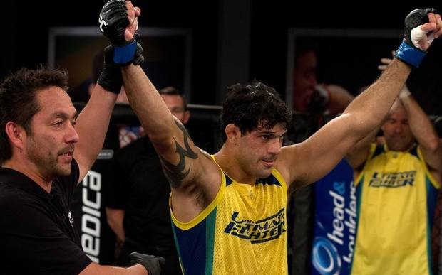 Viscadi Andrade emplaca a terceira vitória pra equipe Werdum. (Foto: Divulgação UFC)