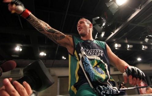Hermano consegue nocaute espetacular. (foto: UFC.com/Zuffa)