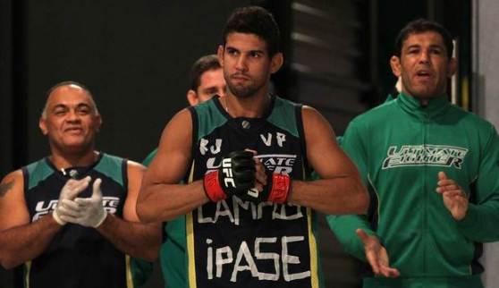 Léo Santos emplacou a segunda vitória da equipe Nogueira. (foto: divulgação UFC)