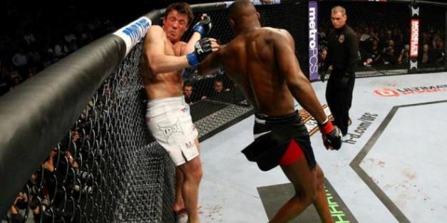 Jon Jones e Chael Sonnen no UFC 159 (Foto: Zuffa LLC / UFC)