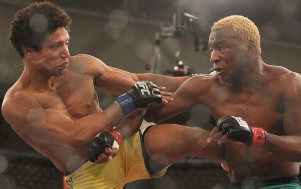 Patolino não teve muito trabalho para superar Thiago Alves. (Foto: Divulgação/UFC)